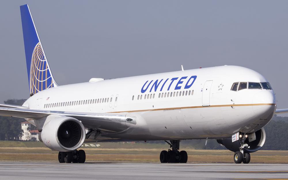 Federal Judge in Texas Halts United Airlines' Enforcement of Employee Vaccine Mandate